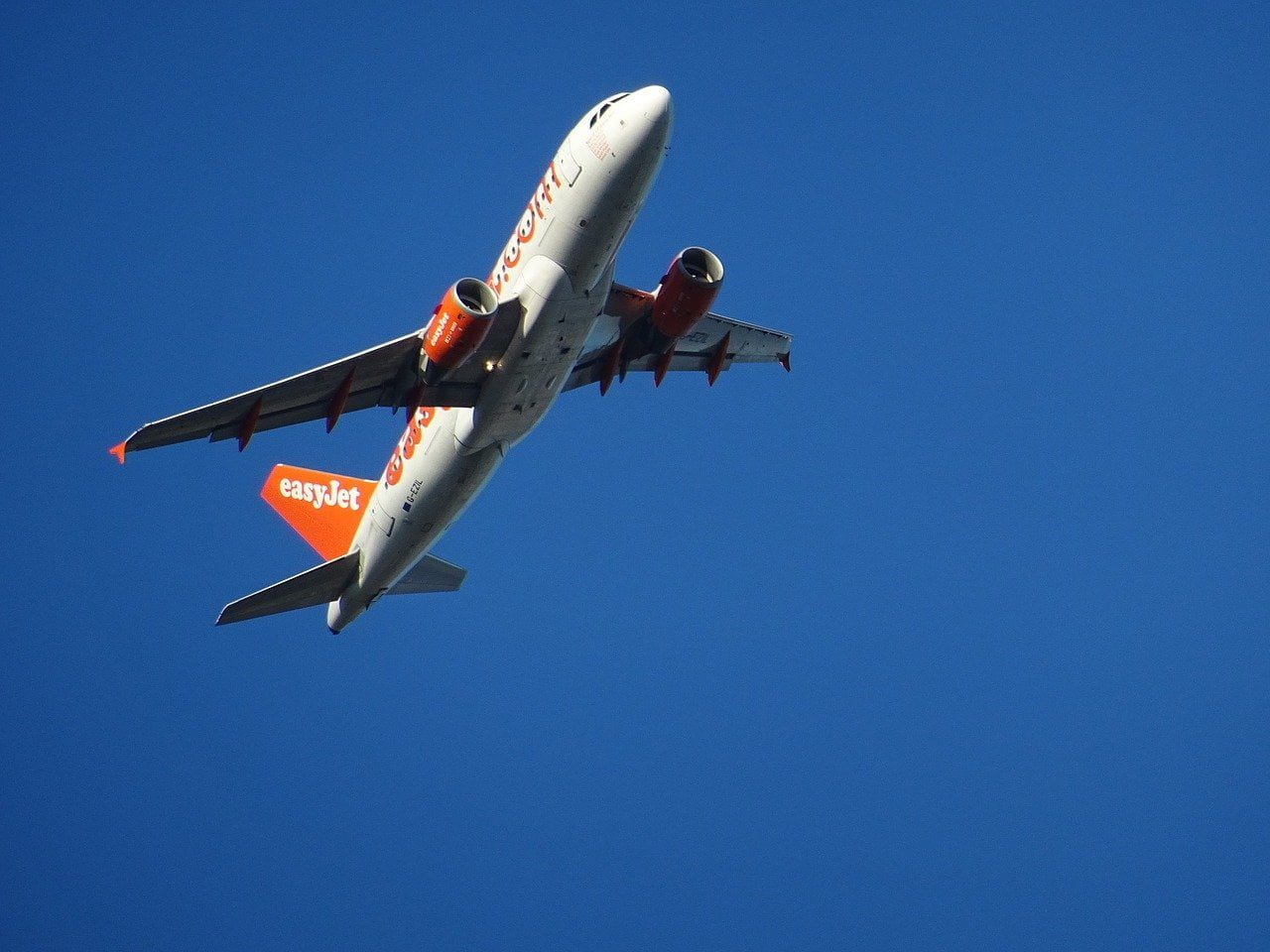 easiest contract phones easyjet plane taking off