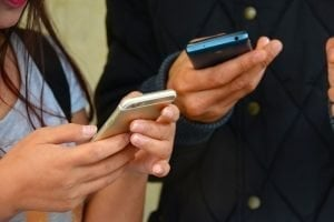 contract mobile phones with bad credit people texting
